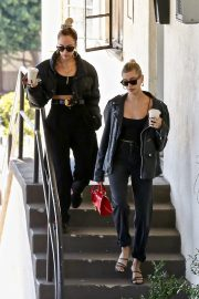 Hailey Bieber Out and About with her stylist in West Hollywood 2019/10/31 3
