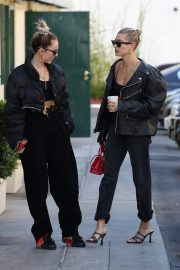 Hailey Bieber Out and About with her stylist in West Hollywood 2019/10/31 25