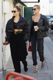 Hailey Bieber Out and About with her stylist in West Hollywood 2019/10/31 31