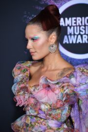 Halsey attends 2019 American Music Awards at Microsoft Theater in Los Angeles 2019/11/24 8