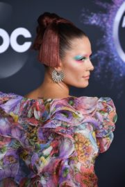 Halsey attends 2019 American Music Awards at Microsoft Theater in Los Angeles 2019/11/24 12