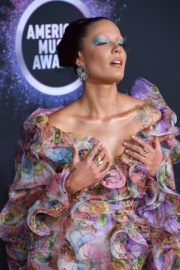 Halsey attends 2019 American Music Awards at Microsoft Theater in Los Angeles 2019/11/24 13