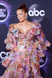Halsey attends 2019 American Music Awards at Microsoft Theater in Los Angeles 2019/11/24 22