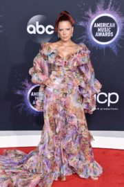 Halsey attends 2019 American Music Awards at Microsoft Theater in Los Angeles 2019/11/24 24