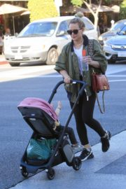 Hilary Duff Having Fun with Her Daughter Banks Violet Bair Out in Beverly Hills 2019/11/23 1