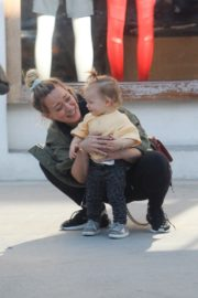 Hilary Duff Having Fun with Her Daughter Banks Violet Bair Out in Beverly Hills 2019/11/23 2