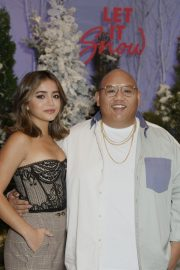 """Jacob Batalon and Isabela Merced arrives Netflix's """"Let It Snow"""" at Four Seasons Hotel in Beverly Hills 2019/11/01 4"""