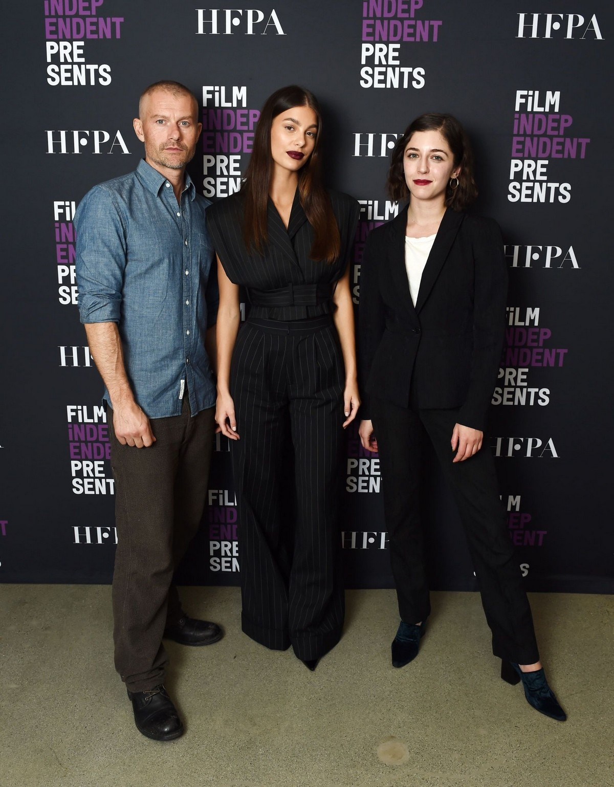 "James Badge Dale and Camila Morrone attend ""Mickey And The Bear"" in Los Angeles 2019/11/19 1"