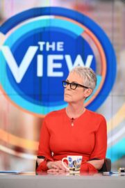 Jamie Lee Curtis The View in New York 2019/11/21 1