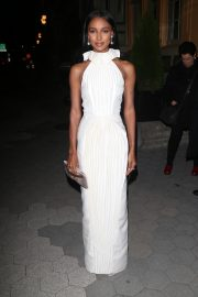 Jasmine Tookes arrives in white outfit at Cipriani's in New York, 2019/11/04 2