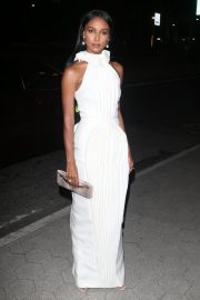 Jasmine Tookes arrives in white outfit at Cipriani's in New York, 2019/11/04 4
