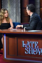 Jennifer Aniston attends The Late Show with Stephen Colbert in Manhattan 2019/10/29 1