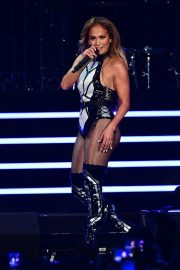 Jennifer Lopez performs iHeartRadio Fiesta Latina Show in Miami 2019/11/02 8