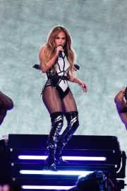 Jennifer Lopez performs iHeartRadio Fiesta Latina Show in Miami 2019/11/02 11