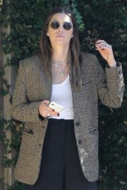 Jessica Biel in White Tank Top with Coat Out in Los Angeles 2019/11/22 3