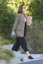 Jessica Biel in White Tank Top with Coat Out in Los Angeles 2019/11/22 6