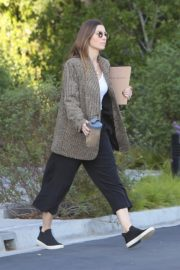 Jessica Biel in White Tank Top with Coat Out in Los Angeles 2019/11/22 7