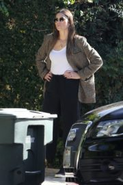 Jessica Biel in White Tank Top with Coat Out in Los Angeles 2019/11/22 8