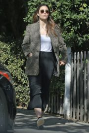 Jessica Biel in White Tank Top with Coat Out in Los Angeles 2019/11/22 15