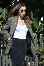 Jessica Biel in White Tank Top with Coat Out in Los Angeles 2019/11/22 17