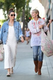 Jessica Biel Shopping with her mom in Los Angeles 2019/10/26 4