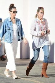 Jessica Biel Shopping with her mom in Los Angeles 2019/10/26 15