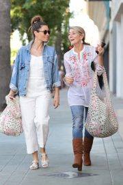 Jessica Biel Shopping with her mom in Los Angeles 2019/10/26 20