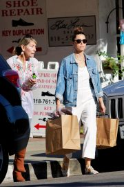 Jessica Biel Shopping with her mom in Los Angeles 2019/10/26 21