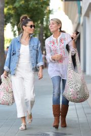 Jessica Biel Shopping with her mom in Los Angeles 2019/10/26 25