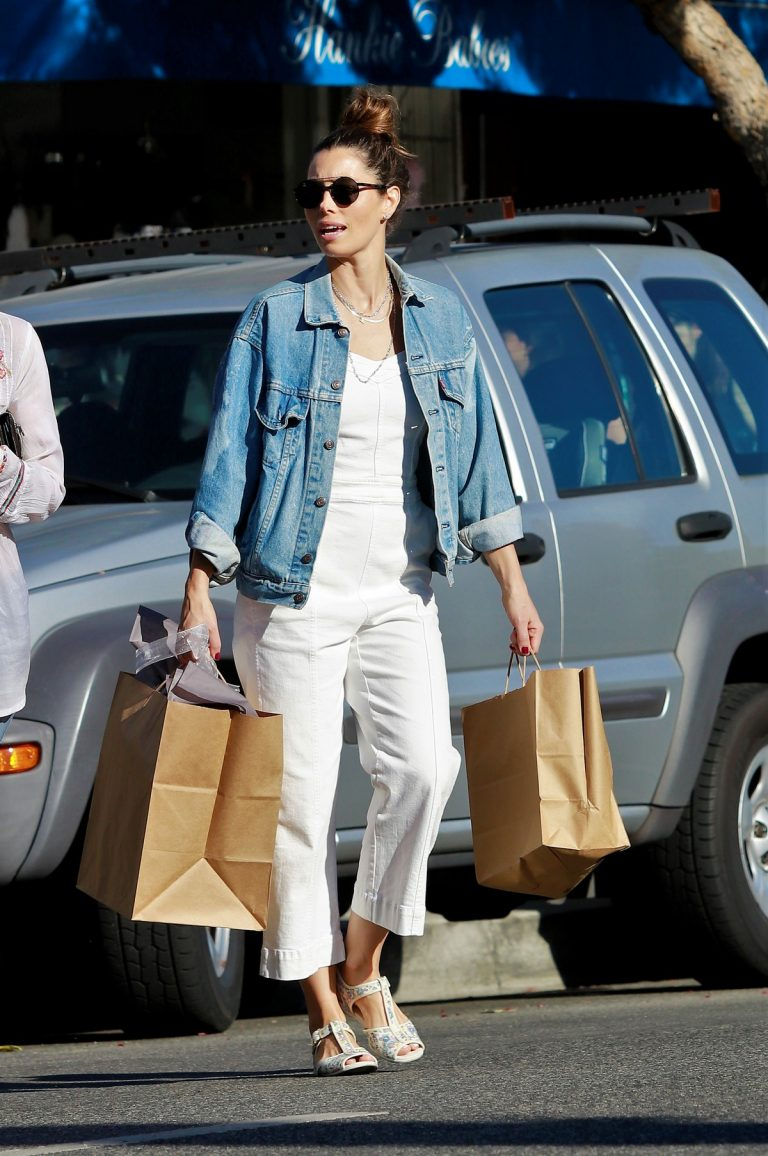 Jessica Biel Shopping with her mom in Los Angeles 2019/10/26 28