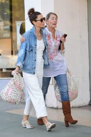 Jessica Biel Shopping with her mom in Los Angeles 2019/10/26 29