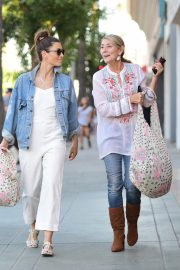 Jessica Biel Shopping with her mom in Los Angeles 2019/10/26 30