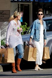Jessica Biel Shopping with her mom in Los Angeles 2019/10/26 35