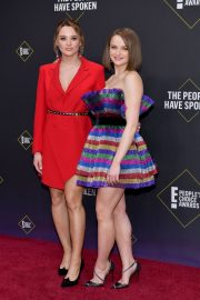 Joey and Hunter King at 2019 E! People's Choice Awards in Santa Monica 2019/11/10 — Classic Editor 7