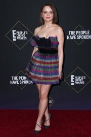 Joey King arrives at 2019 E! People's Choice Awards in Santa Monica 2019/11/10 11
