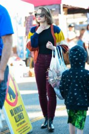 Joey King at the Farmer's Market in Los Angeles 2019/11/24 11