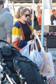 Joey King at the Farmer's Market in Los Angeles 2019/11/24 13