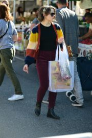 Joey King at the Farmer's Market in Los Angeles 2019/11/24 18