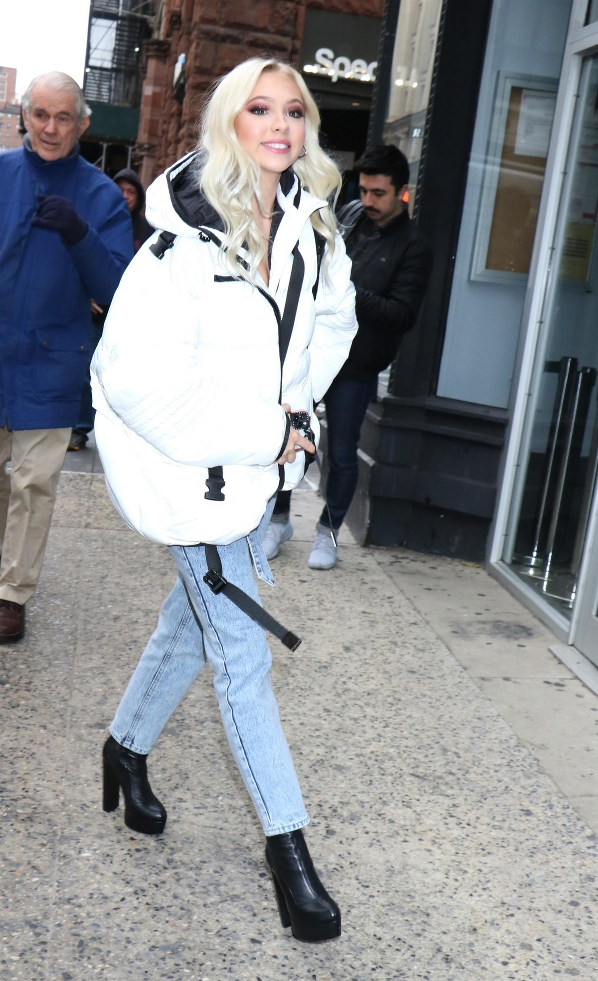 Jordyn Jones arrives at Build Series in New York 2019/11/18 4