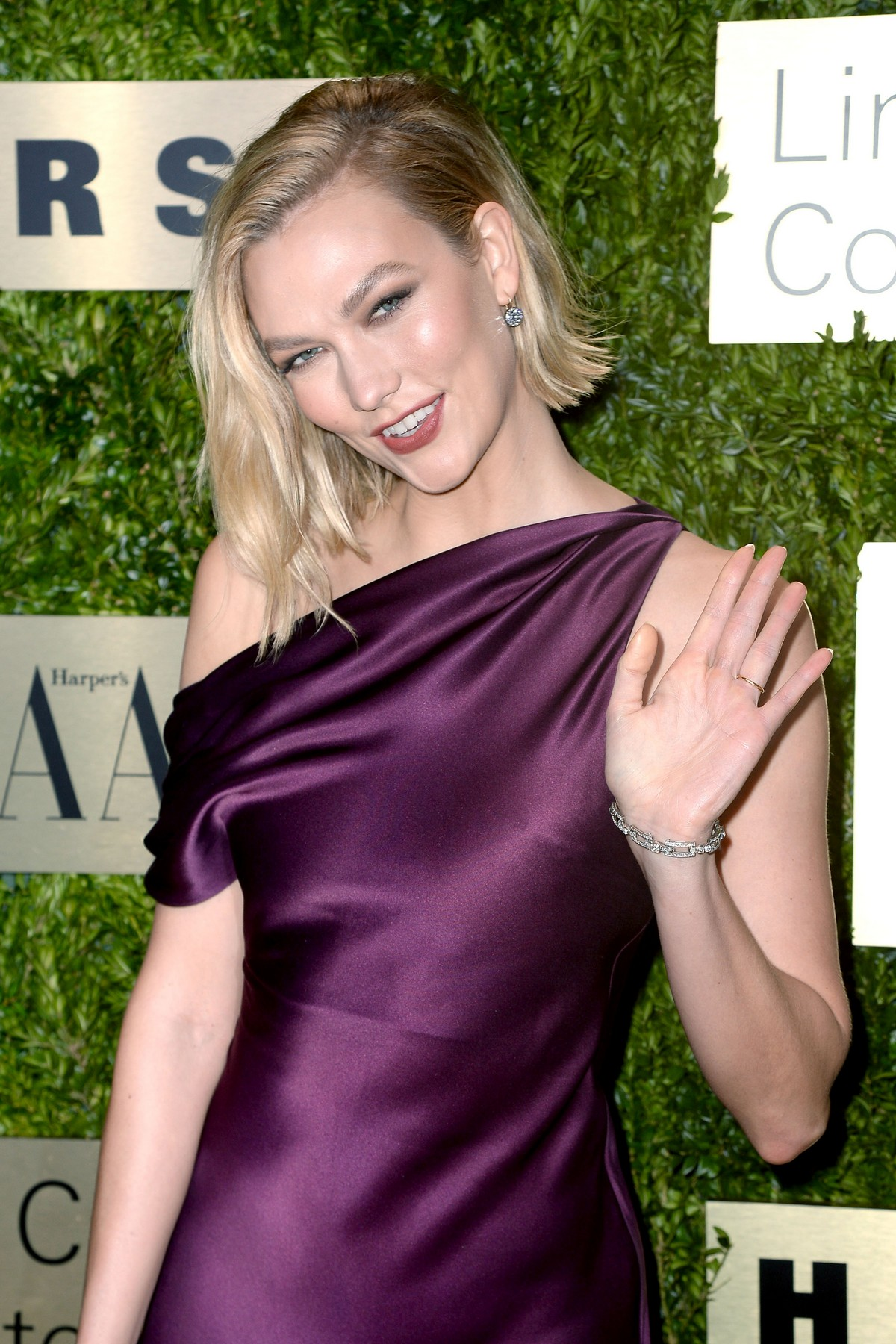 Karlie Kloss attends Lincoln Center Corporate Fashion Fund Gala in New York City 2019/11/18 9