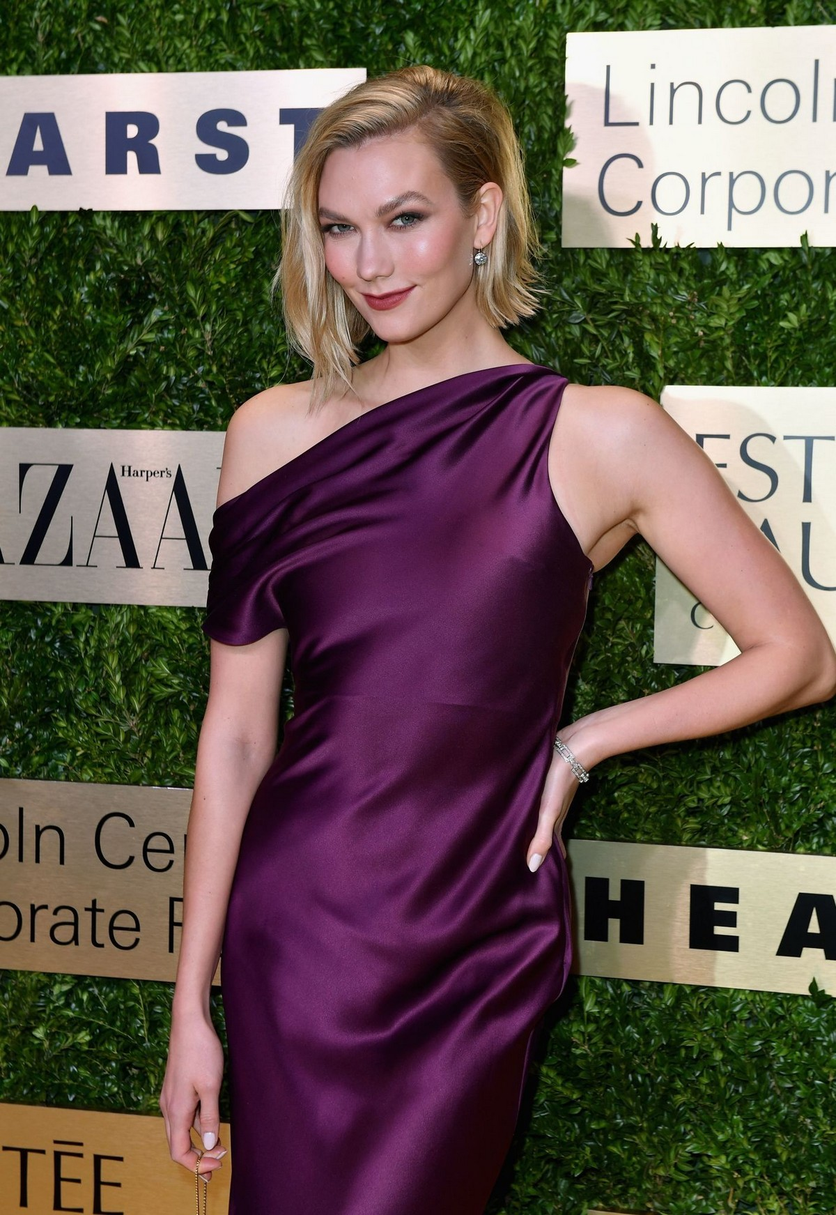 Karlie Kloss attends Lincoln Center Corporate Fashion Fund Gala in New York City 2019/11/18 12