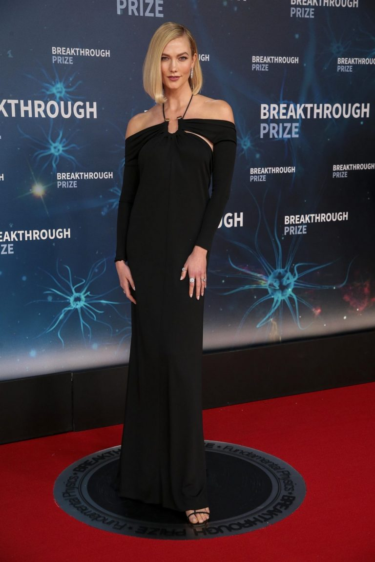 Karlie Kloss in black stylish outfit at 8th Annual Breakthrough Prize Ceremony in Mountain View 2019/11/03 6