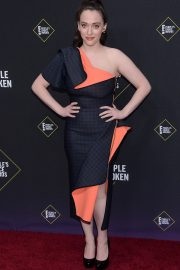 Kat Dennings arrives 2019 E! People's Choice Awards at the Barker Hangar 2019/11/10 4