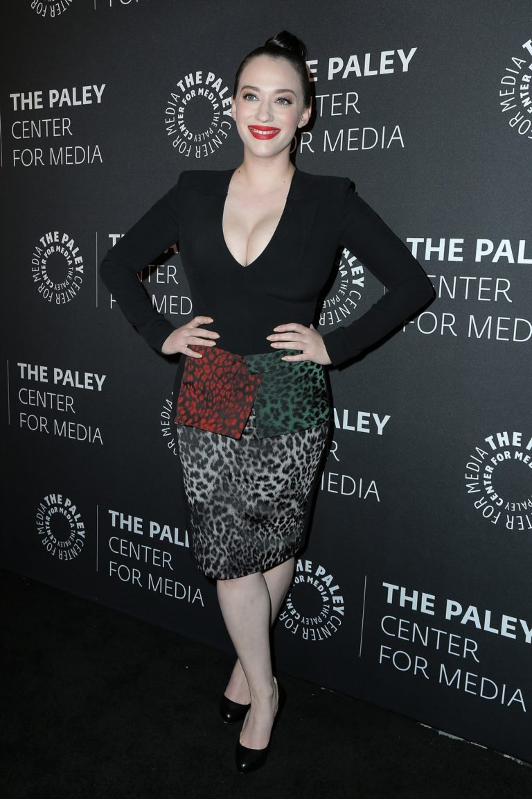 Kat Dennings attends The Paley Honors: A Special Tribute to Television's Comedy Legend in Beverly Hills 2019/11/21 4