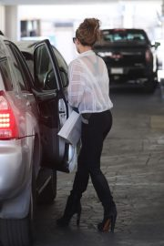 Kate Beckinsale leaves doctor's office in Beverly Hills 2019/11/04 2