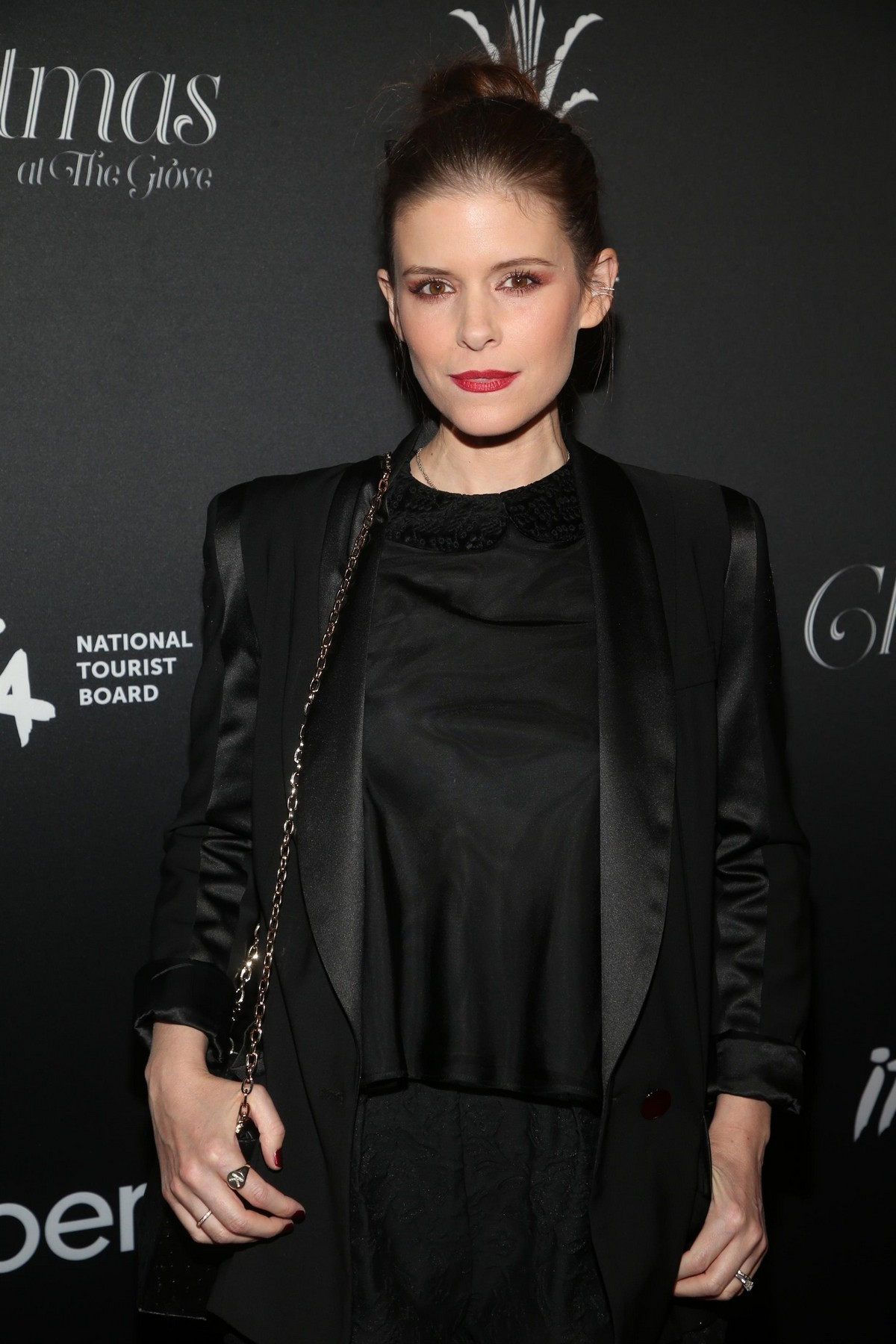 """Kate Mara attends """"Christmas at the Grove"""" Celebration in Los Angeles 2019/11/17 2"""