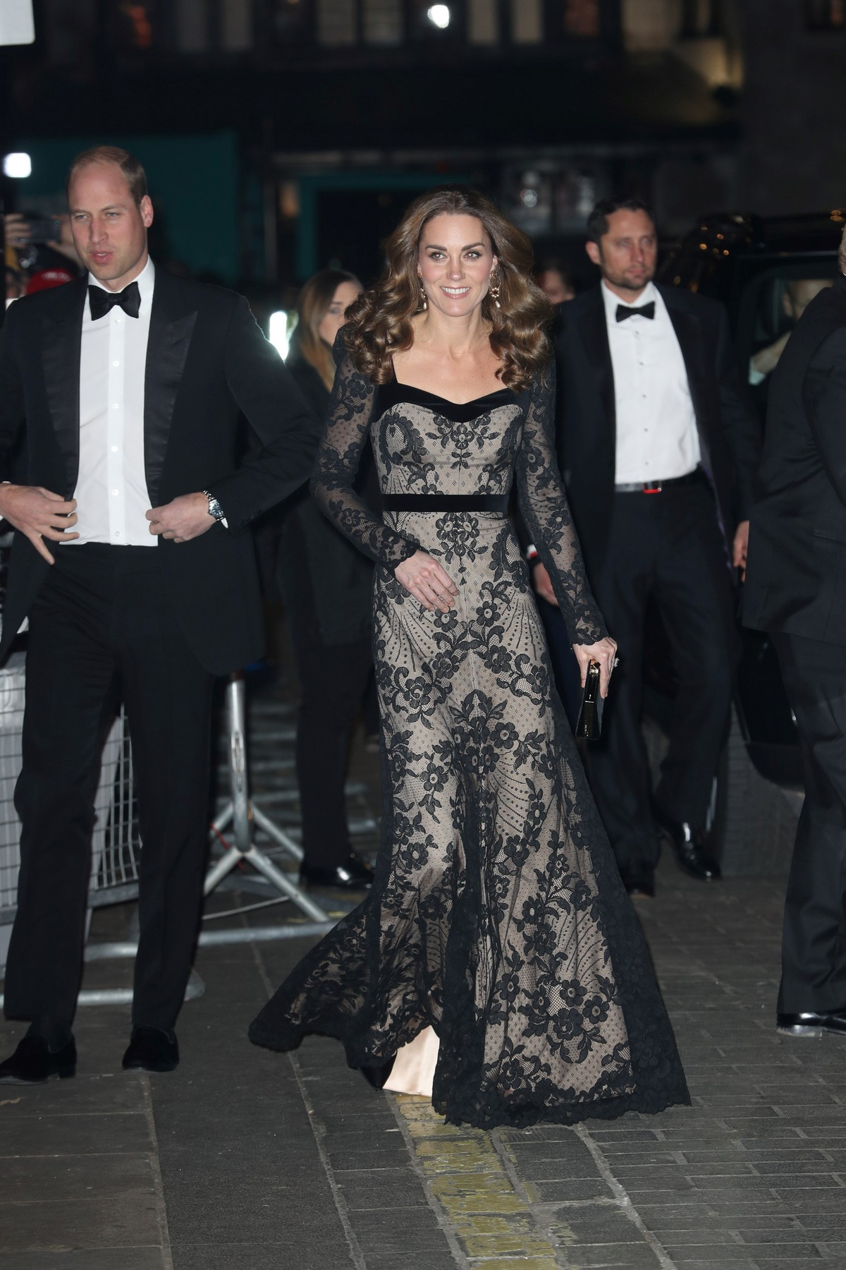 Kate Middleton attends the Royal Variety Performance in London 2019/11/18 5