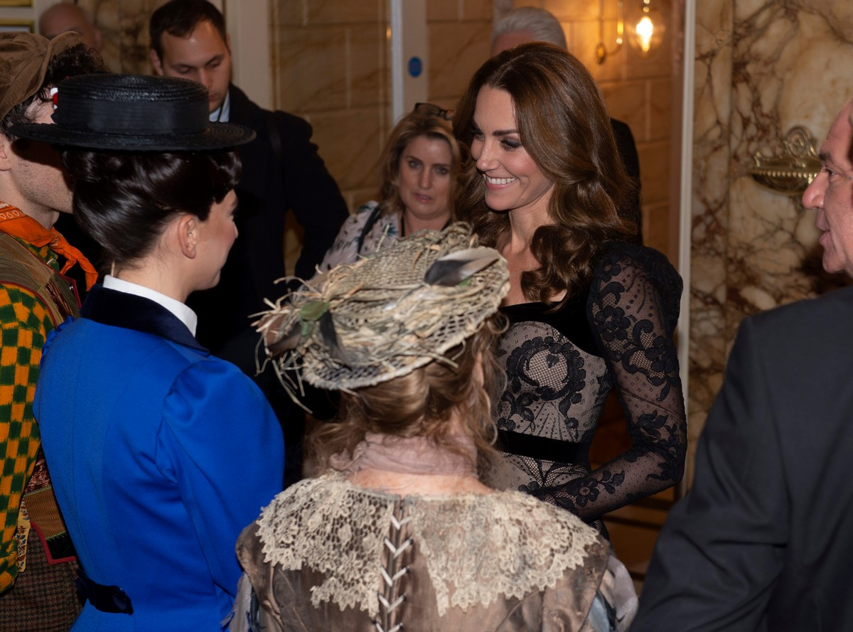 Kate Middleton attends the Royal Variety Performance in London 2019/11/18 8