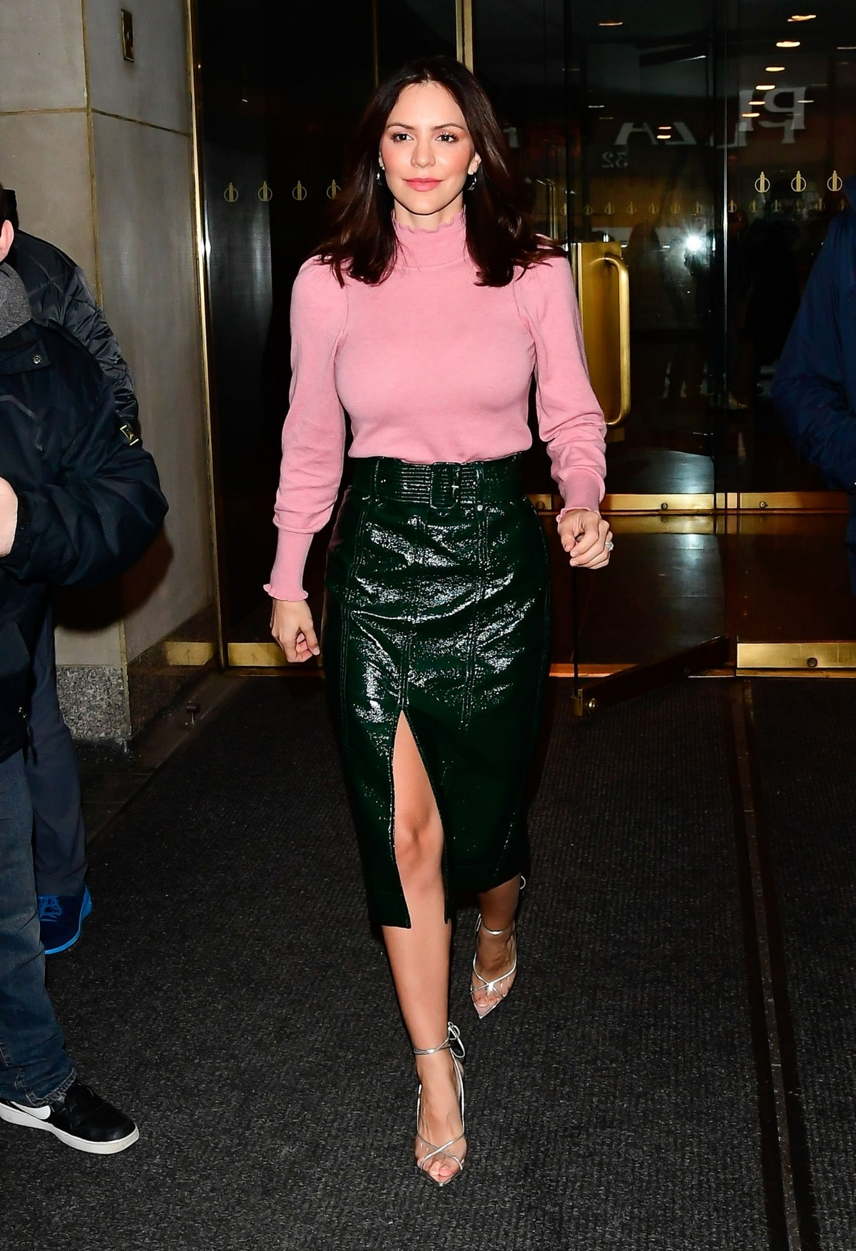 Katharine McPhee Leaves The Today Show in New York 2019/11/19 5