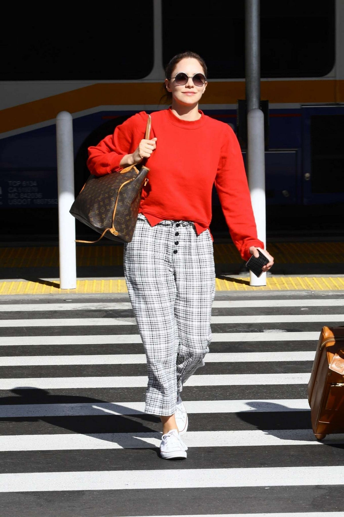 Katharine McPhee Outside at LAX Airport in Los Angeles International Airport 2019/11/09 5